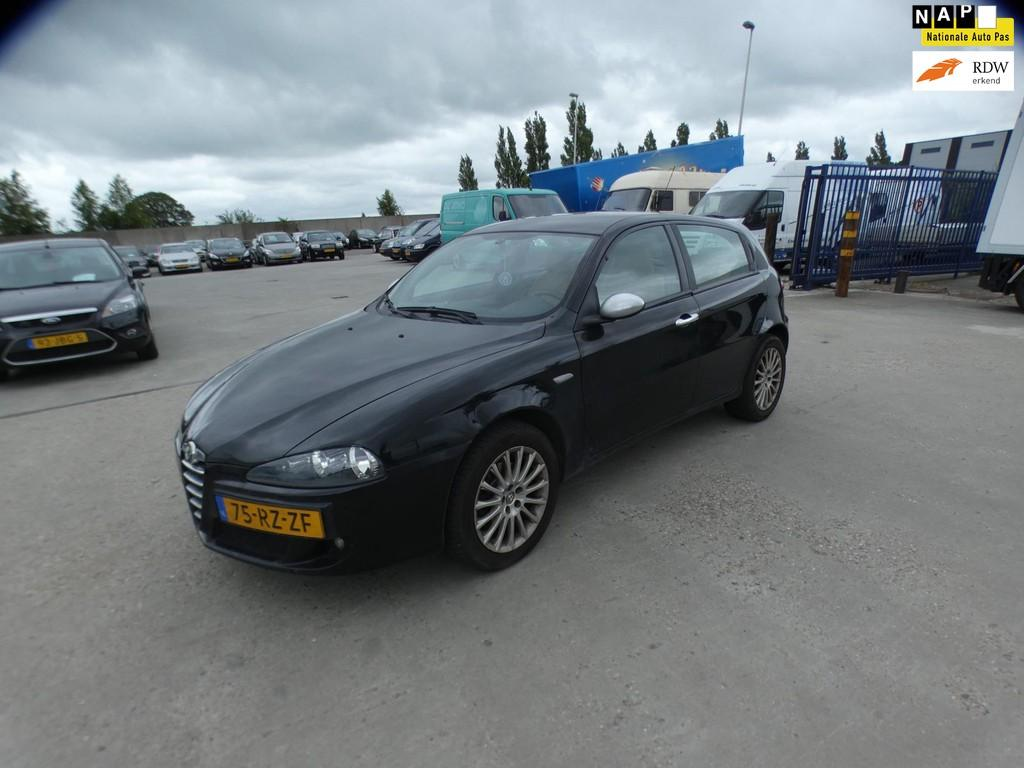 Alfa Romeo 147 16 Tspark Veloce Distinctive Cruise Control
